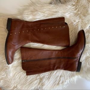 WORN ONCE! Born Leather zip-up boots 9